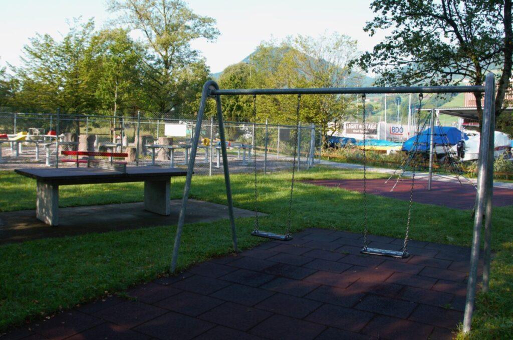 Kinderspielplatz Schaukel